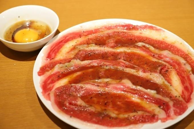 【限定5食】5cmの肉塊!希少部位ザブトンを焼肉で楽しむ!五反田『まるは』