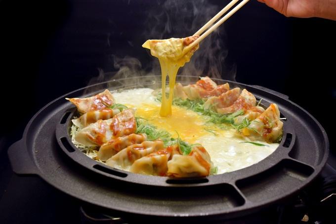 【上野】ジンギスカンやとろ〜りチーズ餃子も!『木村屋本店』が「5種の鉄板焼きフェアー」を開催