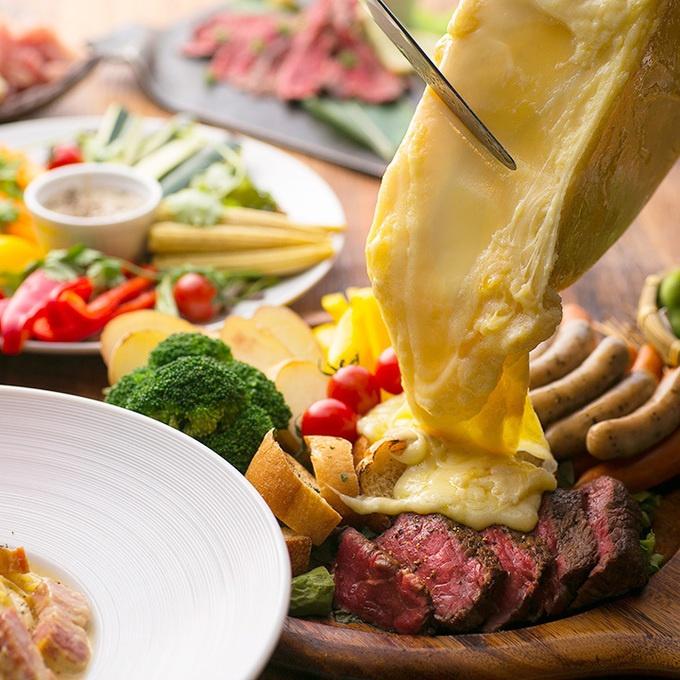 【江坂】まさにチーズの大洪水!ラクレットチーズでお肉を埋めつくせ!!『炭火とお肉』