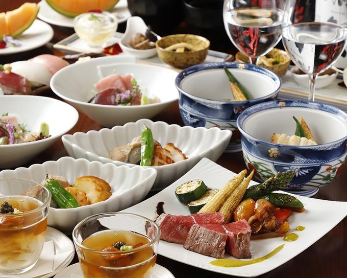 【六本木】近江牛の柔らかい内もも肉をステーキで!炭火焼コースを堪能できる『TOSAKA』