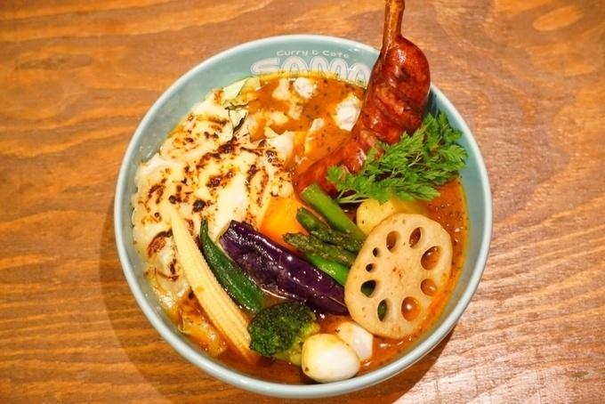 スープやカレーを自由に組み合わせられる楽しさ!本場のスープカレーの味を原宿で『SAMA』