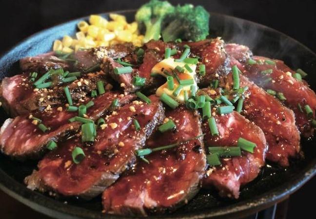 【六本木】ランチに肉を食べるならココ!『ガンブリヌス』が「とろけるハンバーグ」の提供を開始!