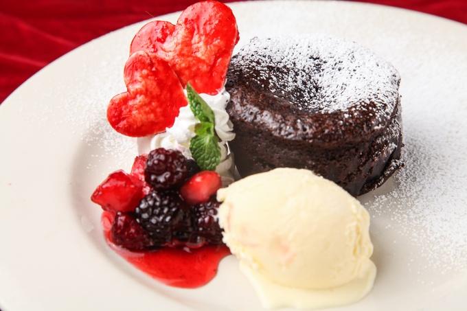 チョコとフォアグラって合うの?バレンタインで利用したい個性派レストラン3選【東京】