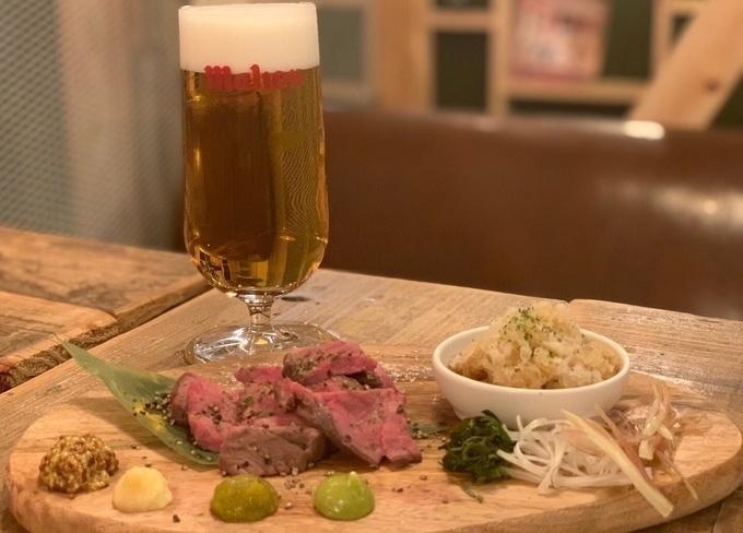 【西新宿】塊豚肉にかぶりつき!『パーフェクトビア』にボリューム満点の新メニュー登場