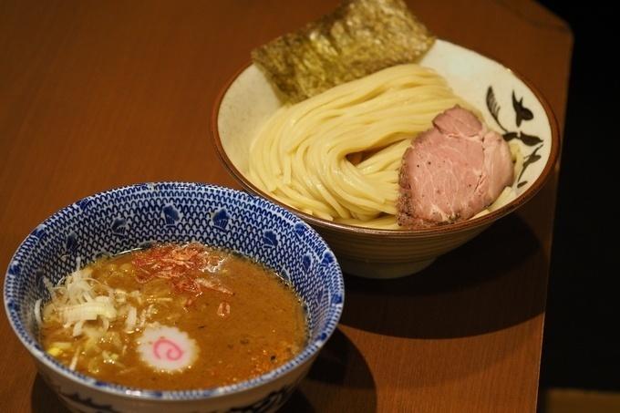 新宿で食べられる太麺のラーメン10選!つけ麺ブームの火付け役に濃厚家系ラーメンまで