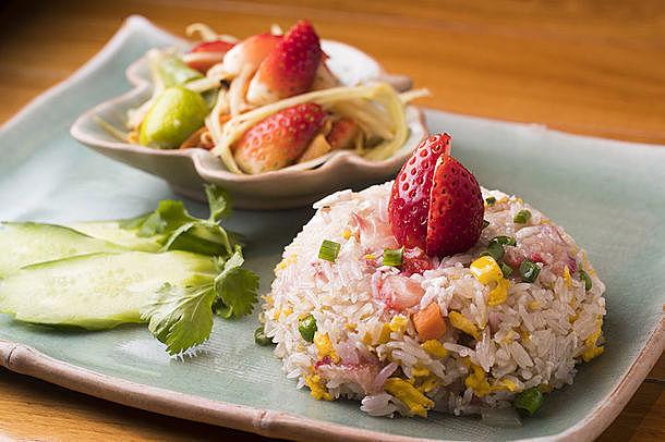 【1/7〜】タイ料理や小籠包、スイーツも全部いちご!池袋『東武百貨店』レストラン街でフェア開催
