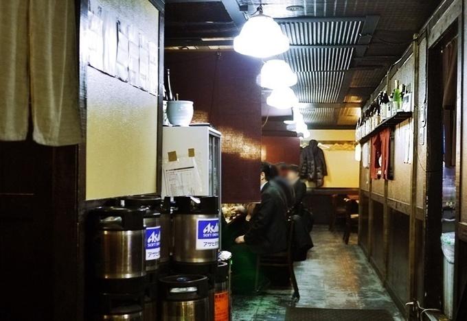 【蒲田】蒲田駅から徒歩1分!お酒の品揃えにこだわる居酒屋☆人気メニューは豪華な舟形盛り合わせ(1,980円)